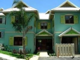 4 Br Townhome In Ocho Rios