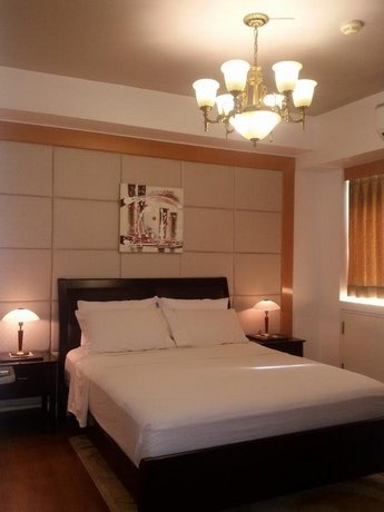 Grand Cenia Condo Residence