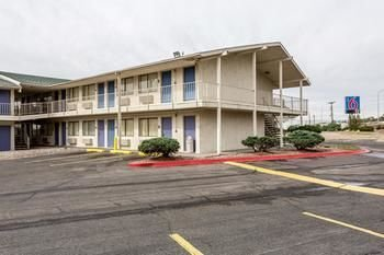 Motel 6 Central Albuquerque