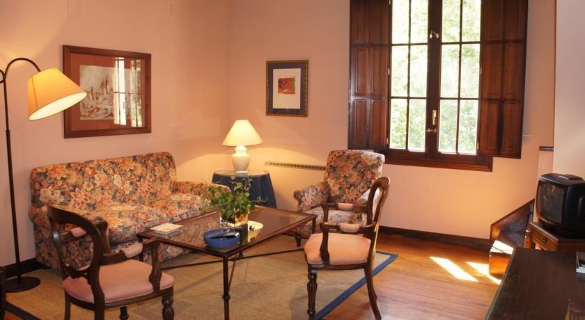 Casavillena apartamentos turisticos segovia compare deals - Apartamentos rurales segovia ...