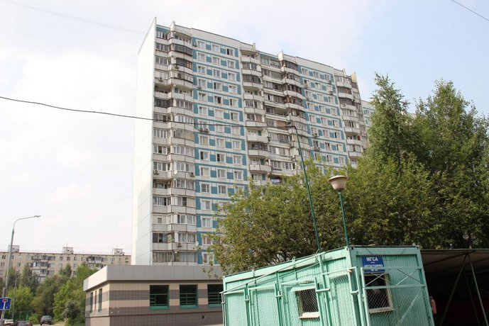 U Metro Kon'kovo Apartments