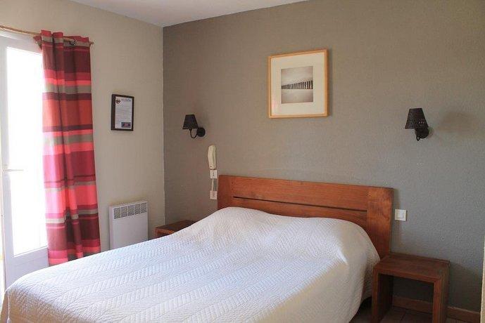 hotel le bleu marine saintes maries de la mer compare deals. Black Bedroom Furniture Sets. Home Design Ideas