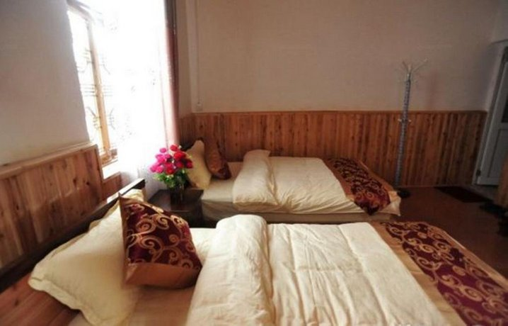 Bao Shan Qing Lian Ju Inn