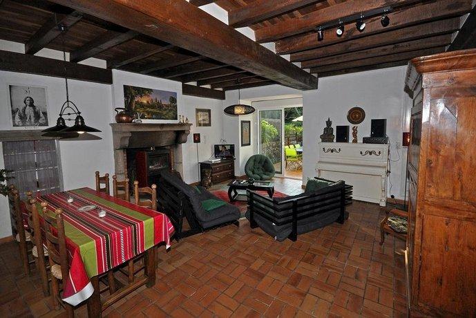 gite proche puy du fou la verrie comparer les offres. Black Bedroom Furniture Sets. Home Design Ideas