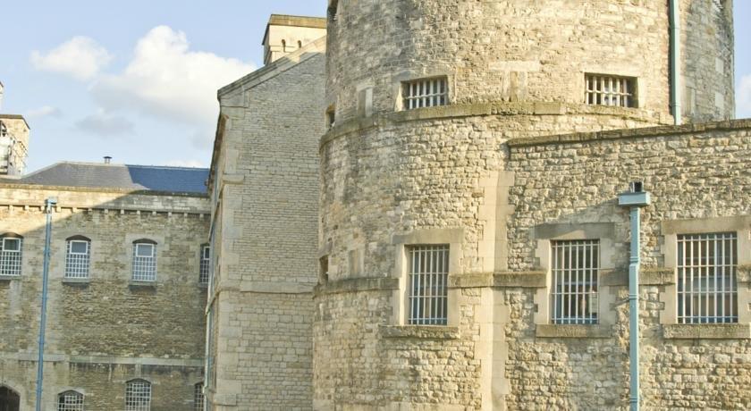 Castle Mews