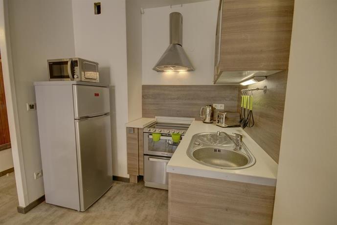 un appart en ville la terrasse annecy compare deals. Black Bedroom Furniture Sets. Home Design Ideas
