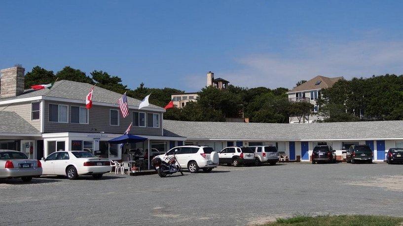 breakwater motel provincetown compare deals. Black Bedroom Furniture Sets. Home Design Ideas