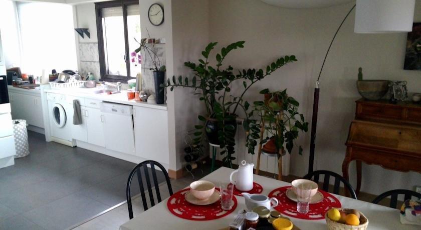 Chambre d 39 hote les jardins du forcone ajaccio compare deals for Chambre d hotes ajaccio
