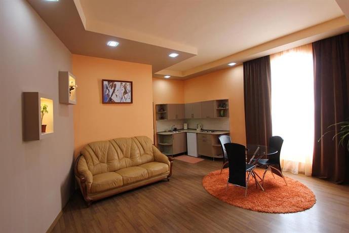 Aparthotel arshakunyants yerevan compare deals for Appart hotel yerevan