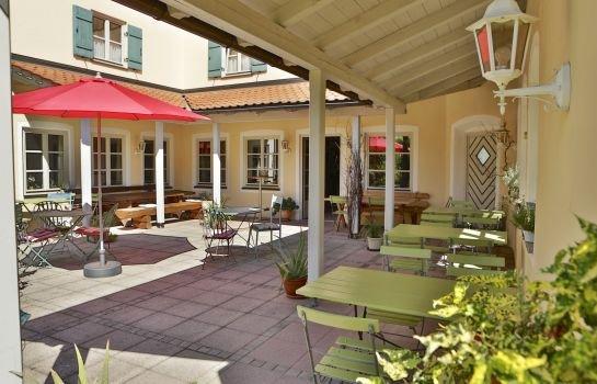 hotel salzburger hof bergen bavaria compare deals. Black Bedroom Furniture Sets. Home Design Ideas