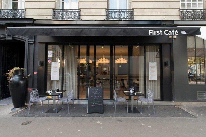 first hotel paris tour eiffel compare deals. Black Bedroom Furniture Sets. Home Design Ideas