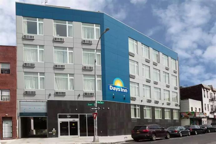 days inn brooklyn crown heights new york city compare deals. Black Bedroom Furniture Sets. Home Design Ideas