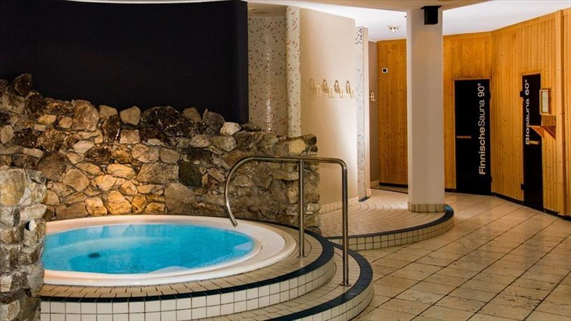 Feldmilla designhotel campo tures compare deals for Design hotel feldmilla