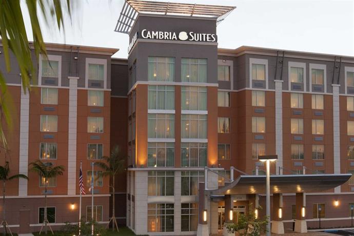 cambria suites miami airport blue lagoon compare deals. Black Bedroom Furniture Sets. Home Design Ideas