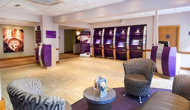 Premier inn london county hall compare deals for Premier inn family room