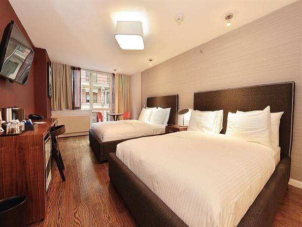 32 32 Hotel
