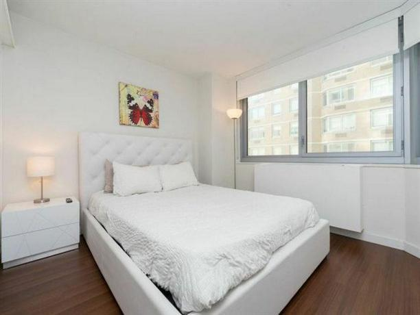 Murray Hill 2 -Bedroom - N12M