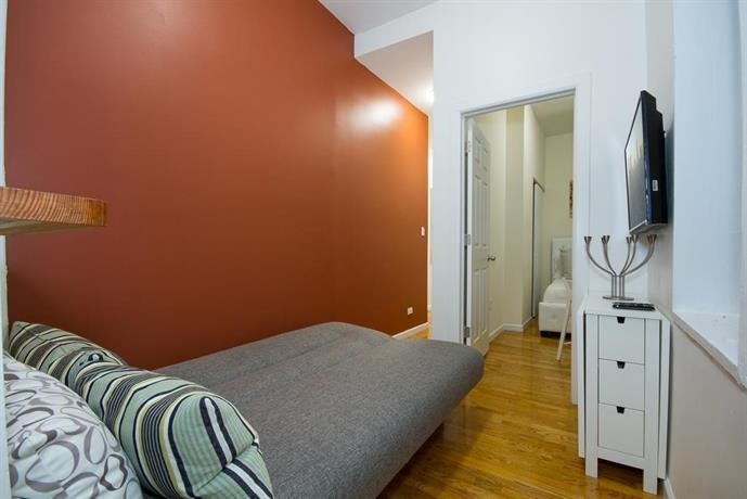 Times Square Amazing 2 Bedroom New York City Compare Deals