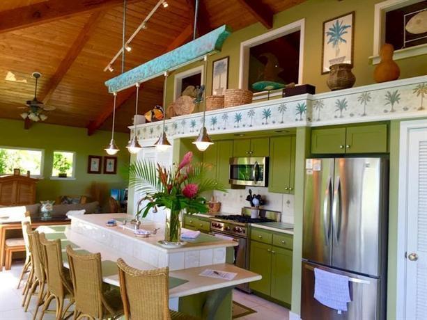 Hana Oceanfront Cottages, Maui - Compare Deals