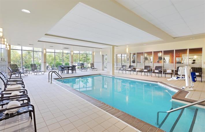 Hilton Garden Inn Schaumburg Compare Deals