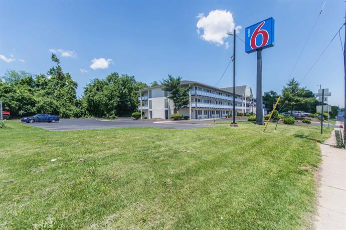 Motel 6 Brooklawn  pare Deals