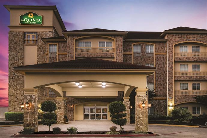 La Quinta Inn & Suites Dallas South-DeSoto