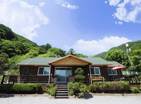 Gapyeong Deep Mountain & Valley Villa Pension
