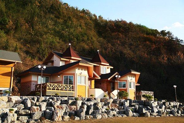 Yeongwol Hanbando River Pension