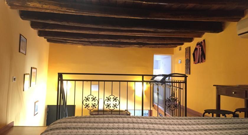 Bivani centro storico palermo compare deals for Hotel a bressanone centro storico