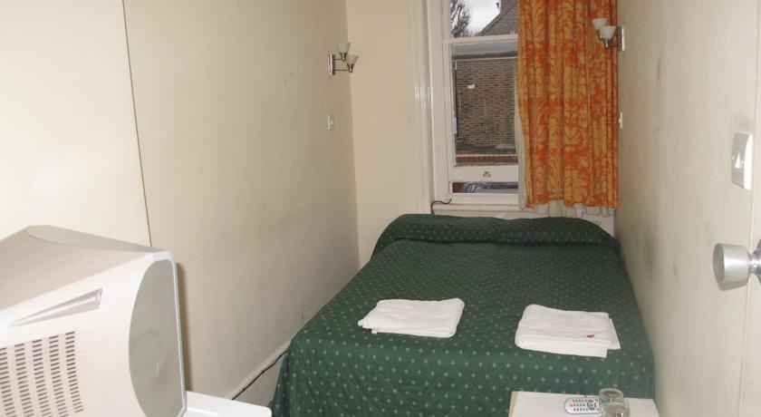 Chiswick Court Hotel