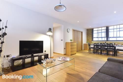 Hoxton city apartments london compare deals for Low cost apartments amsterdam