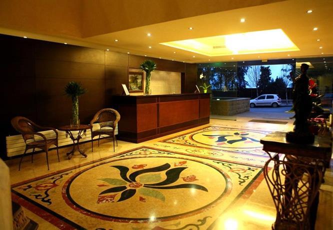 City suite aley compare deals for Casino piscine aley