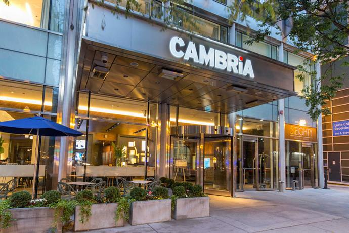 cambria hotel suites chicago magnificent mile compare. Black Bedroom Furniture Sets. Home Design Ideas