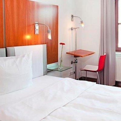 hopper hotel et cetera cologne compare deals. Black Bedroom Furniture Sets. Home Design Ideas