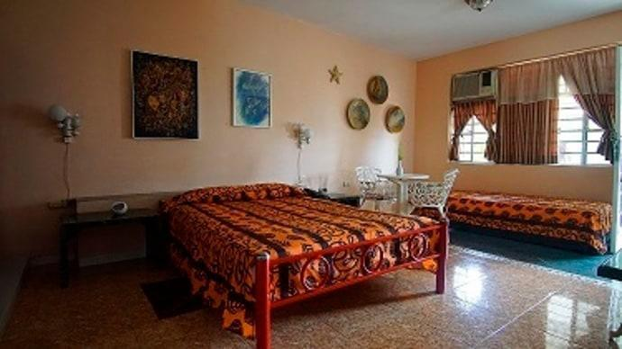 Homestay in Vedado near National Theatre of Cuba