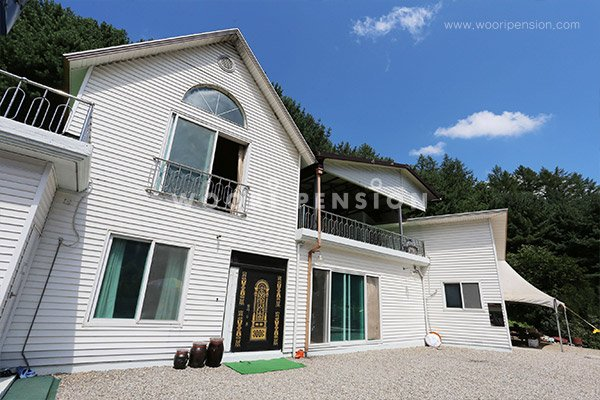 GaPyeong White House on Hill Pension