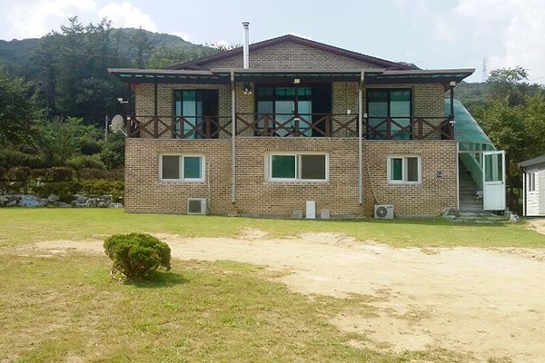 Yongin fireflylight camping pension
