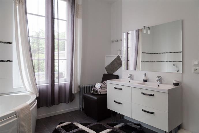 chambres d 39 hotes la demeure d 39 eirene troyes confronta le offerte. Black Bedroom Furniture Sets. Home Design Ideas