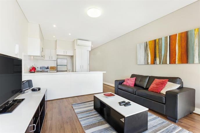 glebe self-contained modern one-bedroom apartment 2cow, sydney