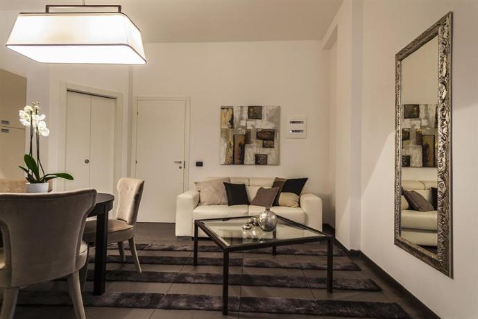 Hemeras boutique house duomo dream milan compare deals for Boutique hotel duomo