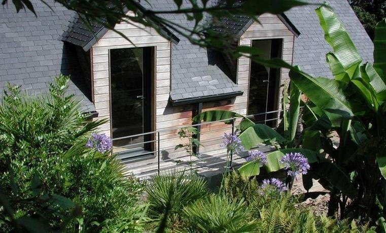 un jardin en pente douce morlaix compare deals. Black Bedroom Furniture Sets. Home Design Ideas