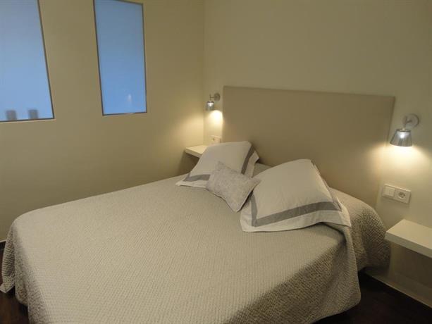 Apartment paris barcelona compare deals for Hotel de paris barcelona
