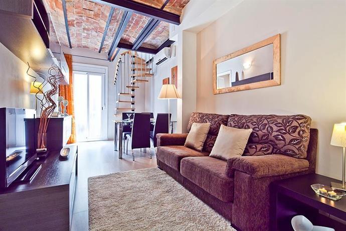 atico montserrat barcelona compare deals. Black Bedroom Furniture Sets. Home Design Ideas