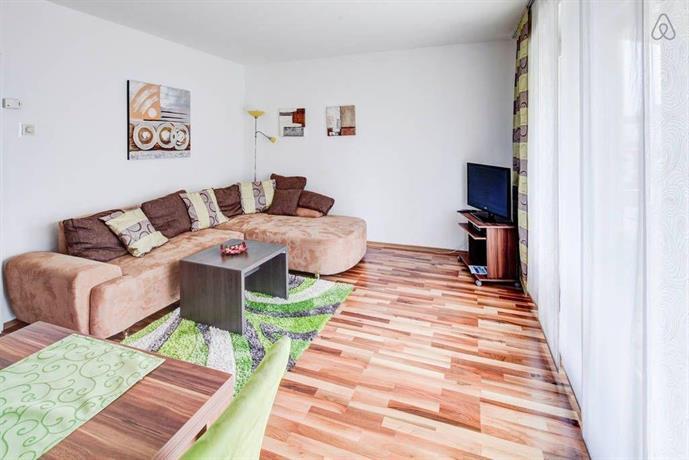 ferienwohnung in augsburg compare deals. Black Bedroom Furniture Sets. Home Design Ideas