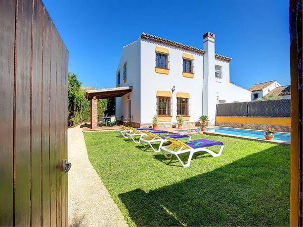 Villas In Roche Spain