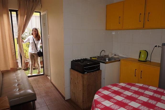 Hostal y cabanas la moderna quintero compare deals - Cabanas modernas ...