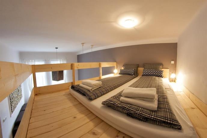 Fresh Apartments II