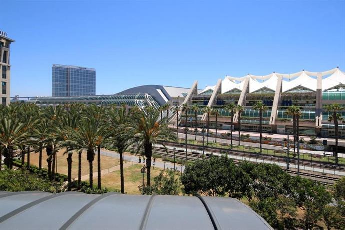 San Diego Convention Center 2/2 Condo