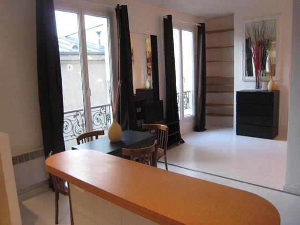 Studio roquette paris compare deals for Hotel rue de la roquette paris 11