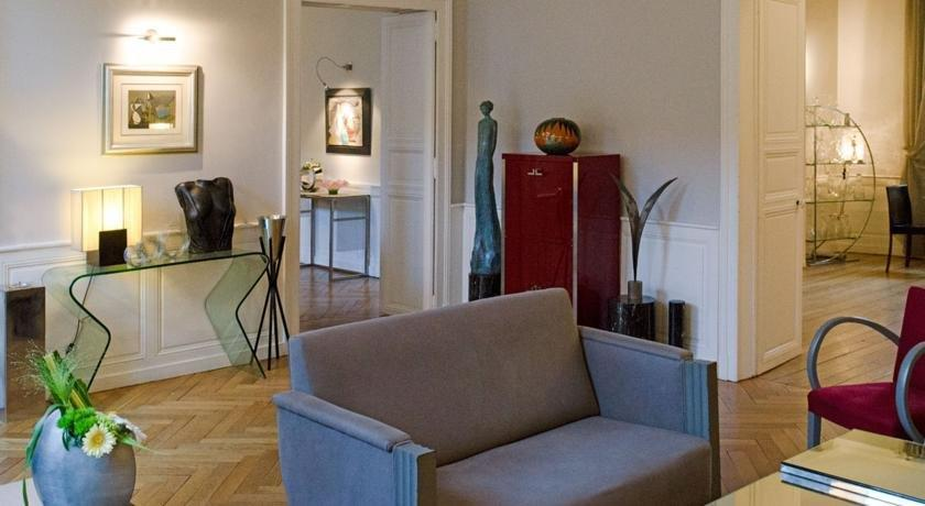 maison d 39 hote de myon nancy compare deals. Black Bedroom Furniture Sets. Home Design Ideas